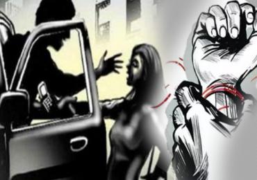 धक्कादायक! धावत्या गाडीत सलग 12 तास तरुणीवर सामूहिक बलात्कार
