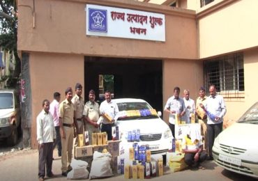 नाशिक-मुंबई मार्गावर छापेमारी, 2 लाख 30 हजारांच्या दारुच्या बाटल्या जप्त