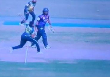 VIDEO : नो बॉल एक फूट पुढे, वाईड एक मीटर बाहेर, खळबळ उडवणारा गोलंदाज कोण?
