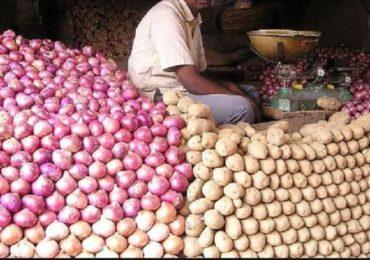 कांदे-बटाटे ते साबण-तेल, किराणा माल घरपोच, 51 शिक्षकांना 'डिलिव्हरी बॉय'चं काम