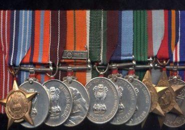 17 लाख सैनिकांना पदकांचं वाटपच नाही, सैनिकांनी 250 रुपयांची मेडल विकत घेऊन खांद्याला लावली