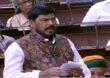 मजुरांचे लाडके नेते नरेंद्र मोदी, त्यांनी घालविली काँग्रेसची सत्तेची गादी: रामदास आठवले