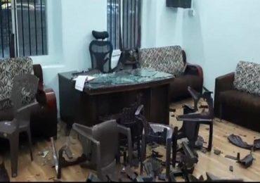 आमदार थोपटेंच्या कार्यकर्त्यांची काँग्रेस कार्यालयावर दगडफेक, मंत्रिमंडळात स्थान न मिळाल्याने राडा