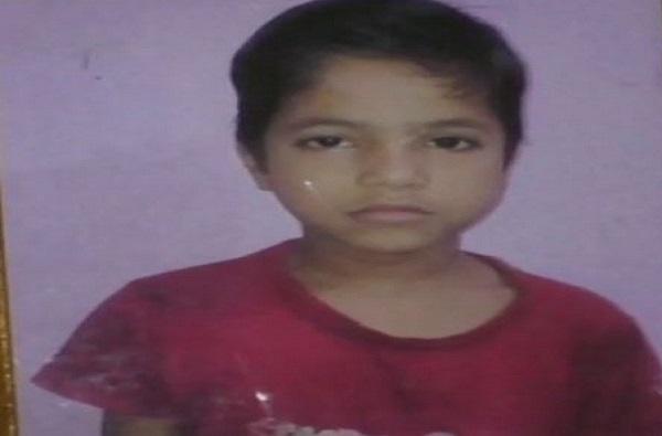 लोंखडी गेट अंगावर पडून सात वर्षीय चिमुरड्याचा मृत्यू