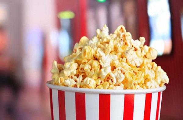 पॉपकॉर्न खाणं जीवावर, दातात अडकल्याने ओपन हार्ट सर्जरीची वेळ
