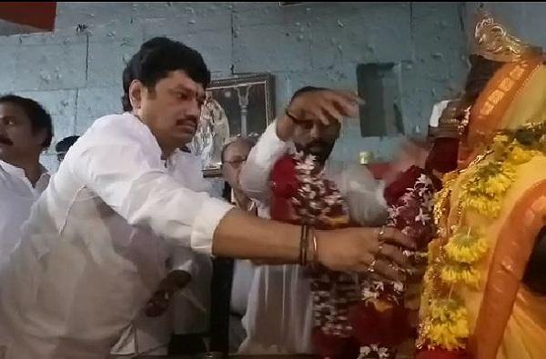 Dhananjay Munde Narayan Gad