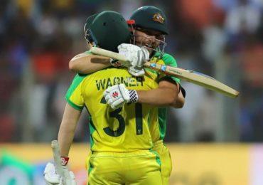 IND vs AUS : वॉर्नर-फिंचची शतकी खेळी, ऑस्ट्रेलियाकडून भारताचा दारुण पराभव