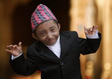 PHOTO : गिनीज बुकमध्ये नोंद असलेल्या जगातील सर्वात कमी उंचीच्या व्यक्तीचं निधन