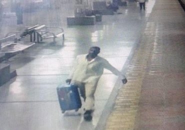 व्हॉट्सअॅप फोटोवरुन प्रवाशाने बॅग ओळखली, सहा लाखांचे दागिने चोरणारी टोळी जेरबंद