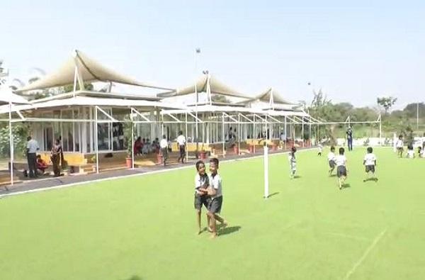 काचेच्या भिंती, झिरो एनर्जी खोल्या, झेडपीच्या 'या' शाळेत प्रवेशासाठी 4 हजार विद्यार्थी वेटिंगवर