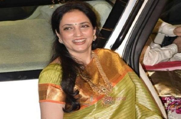 Happy Birthday Rashmi Thackeray | 'मातोश्री'च्या सूनबाई ते मिसेस मुख्यमंत्री, रश्मी ठाकरेंचा प्रवास