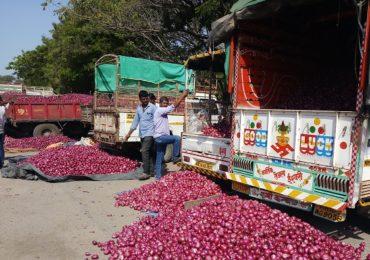 सलग तिसऱ्या दिवशी लासलगावसह प्रमुख 15 बाजार समित्यांत कांद्याचा लिलाव बंद, 80 ते 90 कोटींची उलाढाल ठप्प