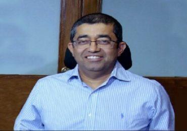 BMC commissioner transferred   मुंबई महापालिका आयुक्त प्रवीण परदेशींना हटवलं