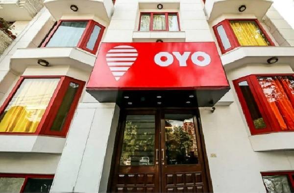 'ओयो'च्या कर्मचार्यांच्या वेतनात 25 टक्के कपात, चार महिन्यांच्या सुट्टीवर पाठवण्याचीही चाचपणी