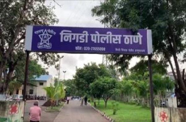 कोरोनामुक्त नर्स आणि पतीचे जंगी स्वागत भोवलं, पिंपरीत नगरसेविकेसह चौघांवर गुन्हा