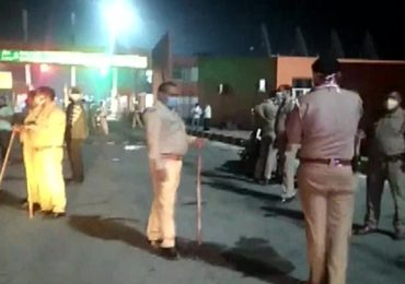 महाराष्ट्रातून उत्तर प्रदेशला निघालेले आठ मजूर अपघातात बळी, तर यूपीत सहा मजुरांना बसने चिरडले