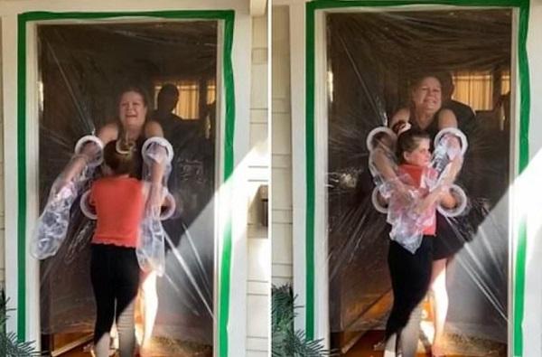 हे पहिल्यांदा घडतंय : लॉकडाऊनमध्ये अधीर झालेल्या आजी-नातवंडांची अनोखी भेट, दारावरील प्लास्टिकच्या पडद्यातून मिठी