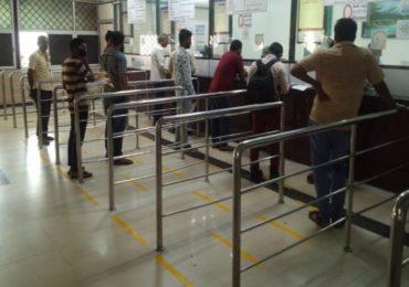 रेल्वेचा मोठा निर्णय, स्टेशन काऊंटरवरही रिझर्व्हेशन तिकीट बुकिंग