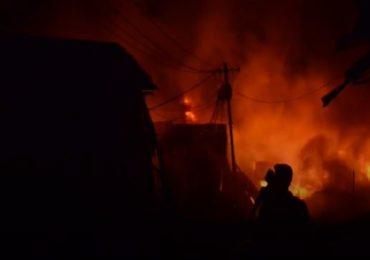 साकीनाक्यात गॅस सिलिंडरचा स्फोट, भीषण आगीत 5 होरपळले, एका मुलीचा मृत्यू