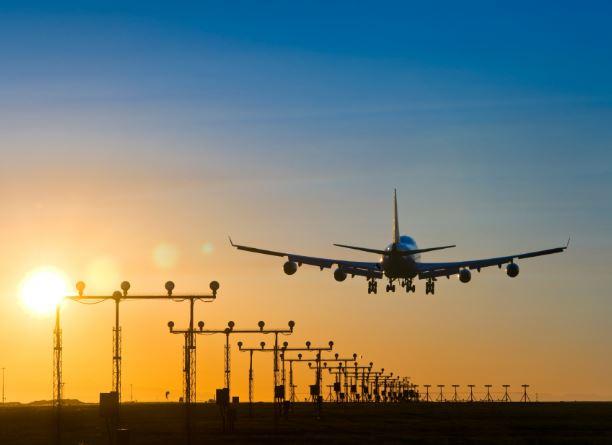 महाराष्ट्रातून विमान उड्डाणाला अखेर हिरवा कंदील, मुंबईतून प्रवासी विमानाचे टेक ऑफ