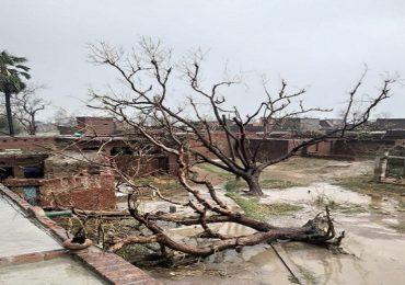 उत्तर प्रदेशच्या कन्नोजमध्ये चक्रीवादळ आणि गारांचा पाऊस, 6 जणांचा मृत्यू