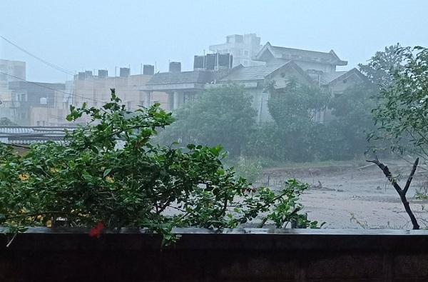 Nisarga Cyclone | रायगडमध्ये 3 जूनला जनता कर्फ्यू, आपत्ती व्यवस्थापनासह नॉन कोव्हिड रुग्णालयही उपलब्ध
