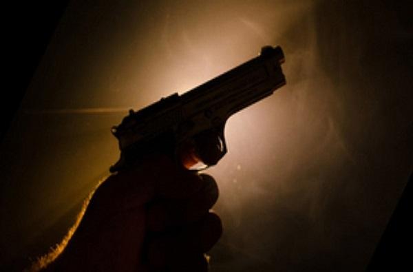 नवी मुंबईत भररस्त्यात बिल्डरला गोळ्या घातल्या, डोक्यात गोळी मारल्याने जागीच मृत्यू