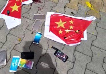 ब्राह्मण महासंघाकडून चिनी वस्तूंची होळी, तर आधी हातातील मोबाईल, घरातील सामान जाळा, संभाजी ब्रिगेडचा खोचक सल्ला