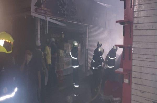Crawford Market Fire   क्रॉफर्ड मार्केटमध्ये लागलेल्या भीषण आगीवर 20 मिनिटात नियंत्रण