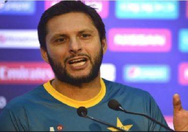 माझ्यासाठी दुआ करा, पाकिस्तानचा धडाकेबाज क्रिकेटपटू शाहीद आफ्रिदीला कोरोना