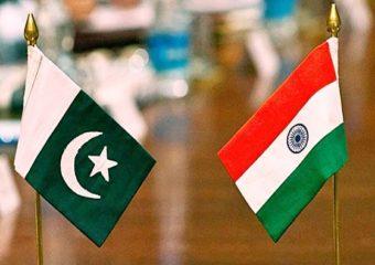 भारत-पाकिस्तान सीमेवर शेतीचे अनोखे प्रयोग, शेतकऱ्यांच्या दिमतीला सैन्याकडून बुलेटफ्रूफ ट्रॅक्टर