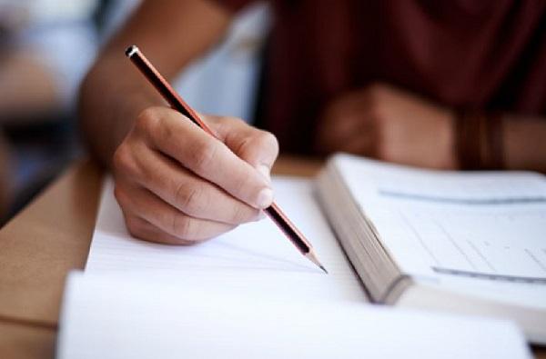 अंतिम वर्षांची परीक्षा ऑनलाईन आणि ऑफलाईन, पुणे विद्यापीठाकडून दोन पर्याय, अंध विद्यार्थी मात्र संभ्रमात