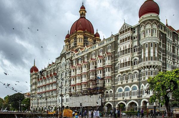 मुंबईतील ताज हॉटेल बॉम्बने उडवू, कराचीतून फोन आल्याचा संशय, सुरक्षा वाढवली