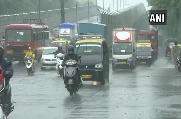 Mumbai Rains Live | मुंबई, ठाण्यात जोरदार पाऊस, समुद्रात उंच लाटा