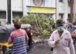 Tree Collapse | ऐरोलीत झाड पडून एकाचा मृत्यू दोन जण जखमी
