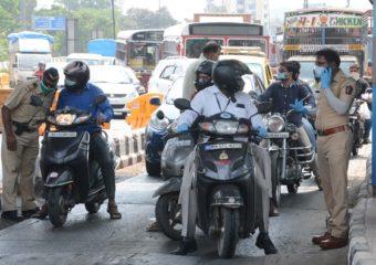 Pune Lockdown | पुण्यात लॉकडाऊनच्या पहिल्याच दिवशी हरताळ, 236 वाहनं जप्त