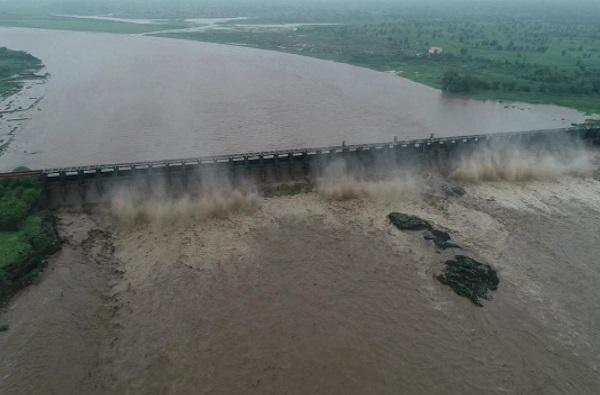 Hatnur Dam | हतनूर धरणाचे 36 दरवाजे पूर्ण उघडले, 82,417 क्यूसेक पाण्याचा विसर्ग सुरु