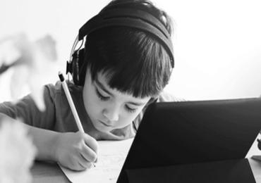 Online Education : ऑनलाईन शिक्षणाने अडचणीत भर, 43 टक्के दिव्यांग विद्यार्थी शिक्षण सोडण्याच्या विचारात : सर्व्हे