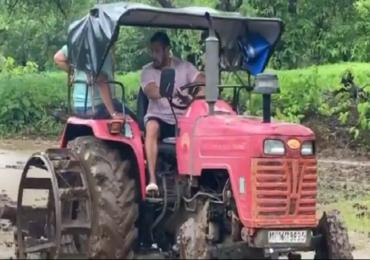 पनवेलच्या फार्महाऊसवर सलमानची मशागत, ट्रॅक्टर चालवून शेतीकामाला हातभार