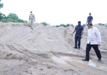 Anil Deshmukh | नागपुरात रेतीघाटांवर गृहमंत्र्यांची धाड, रेती माफियांचे कंबरडे मोडण्याचा अनिल देशमुखांचा निर्धार