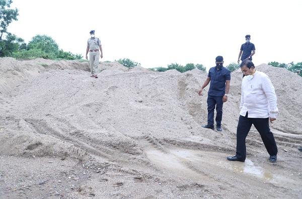 Anil Deshmukh On Sand Mafia