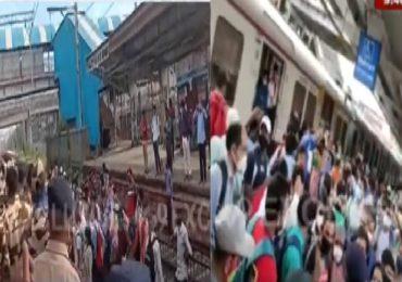 नालासोपारा स्टेशनवर प्रवाशांचा उद्रेक, रेल्वे रुळांवर उतरत लोकल अडवली