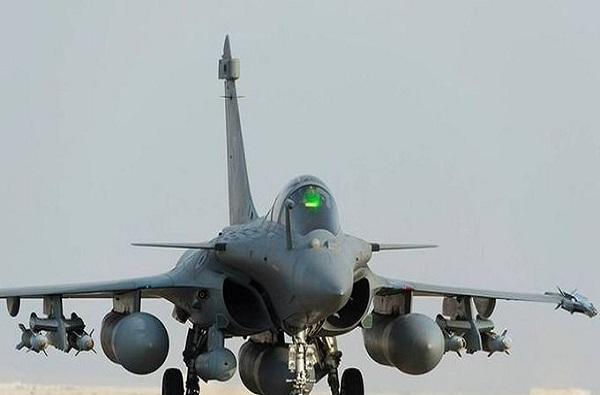Rafale In India | देशाचं सामर्थ्य वाढवणाऱ्या राफेल विमानाचे खास फोटो
