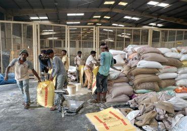 रेशनचा तब्बल 110 टन तांदूळ साठा जप्त, गोण्यांवर पंजाब-हरियाणाचा शिक्का, काळाबाजाराचा पर्दाफाश