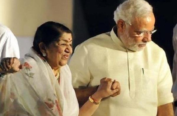 """""""नरेंद्रभाई आपके लिए मेरी ये राखी"""", भेट म्हणून लता मंगेशकरांनी पंतप्रधान मोदींकडून घेतलं 'हे' वचन"""