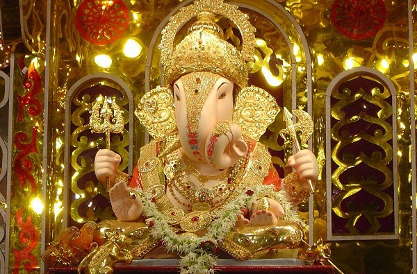 Ganeshotsav 2020 | दगडूशेठ गणपतीची 127 वर्षांची परंपरा खंडित, यंदाचा गणेशोत्सव मुख्य मंदिरातच
