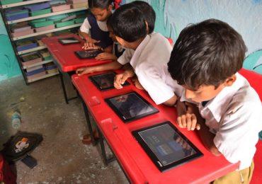 ग्रामीण मुलांसाठी होमस्कूलिंग, 70 विद्यार्थ्यांना शैक्षणिक टॅब, 'थिंकशार्प फाऊंडेशन'चा स्तुत्य उपक्रम