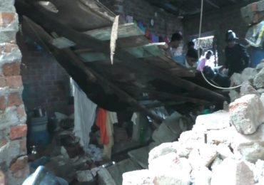 Bhiwandi Wall Collapse | भिवंडीत खोदकाम करताना पाया धसल्याने घराची भिंत कोसळली, दोघे तीन तास ठिगाऱ्याखाली