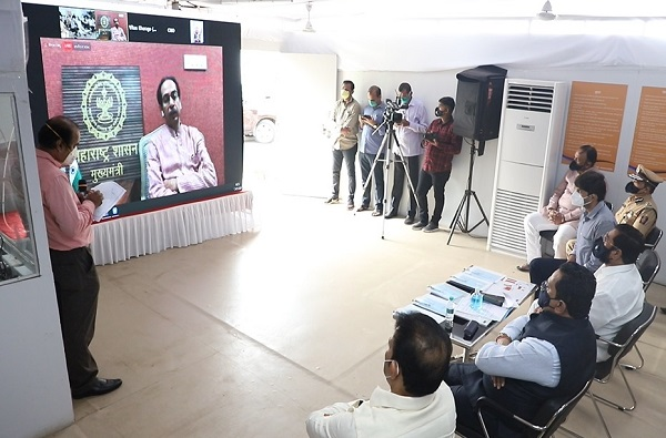 """""""माझे कुटुंब-माझी जबाबदारी"""" मोहिम प्रभावीपणे राबवा, नवी मुंबई महापालिका अधिकाऱ्यांना मुख्यमंत्र्यांचे आदेश"""