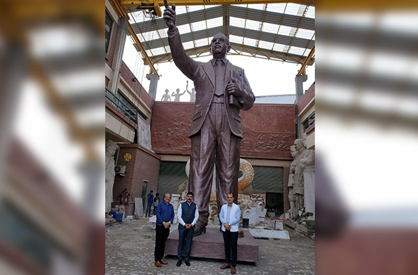 PHOTO :  इंदू मिलमध्ये डॉ. आंबेडकरांचा 350 फूट उंचीचा पुतळा, शिवसेना खासदाराकडून पाहणी